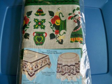Vintage Penn Dutch Tablecloth Mint In Package