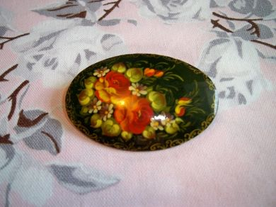 Vintage Russian Zhostovo Hand Painted Folk Art Lacquer Brooch