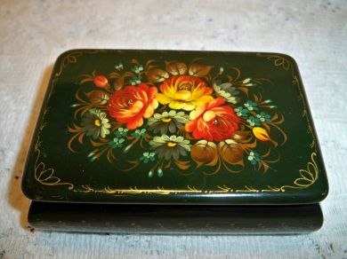 Vintage Russian Zhostovo Hand Painted Folk Art Lacquer Trinket Box