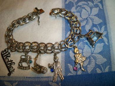 Vintage Sterling Silver Charm Bracelet with 6 Charms